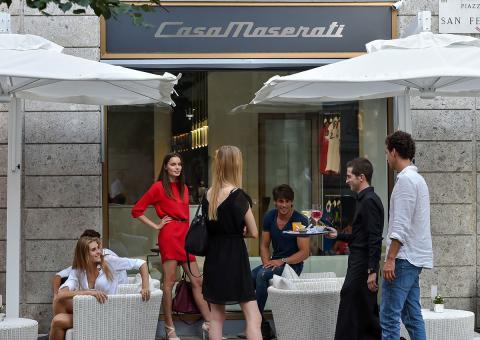 Casa Maserati también dispone de un bar.