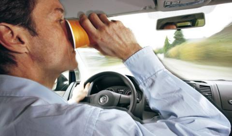 No beber es tan peligroso como ir borracho al volante