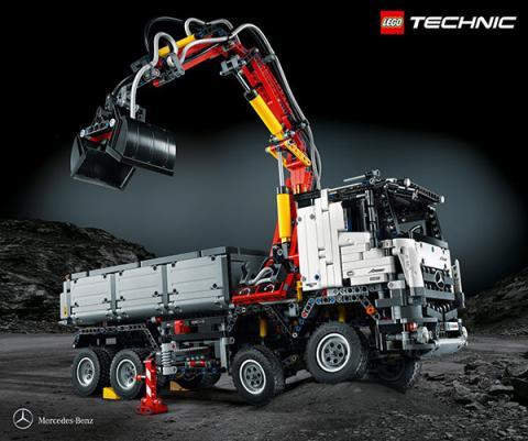 Nuevo Mercedes-Benz Arocs 3245 de Lego