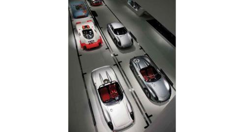 Vehículos expuestos en el Porsche Museum, en Stuttgart.