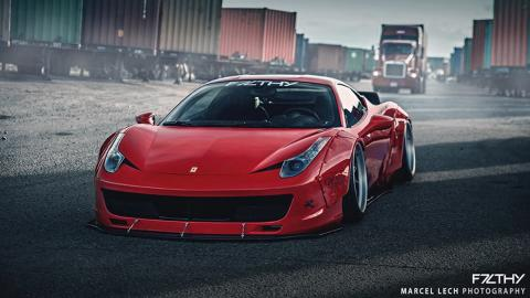 Ferrari 458 Liberty Walk frontal