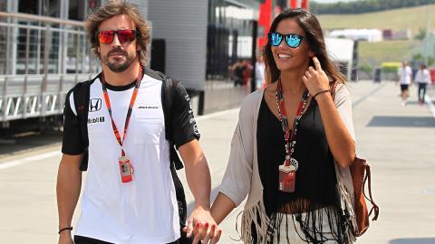 Lara Álvarez y Fernando Alonso en Hungría