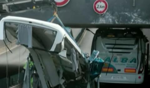 Accidente de bus en Lille: el conductor culpa al GPS
