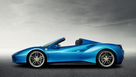 Ferrari 488 Spider lateral