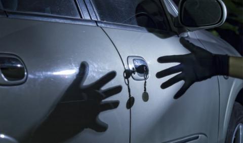 Competencia investiga: ¿Mano negra en el automóvil?