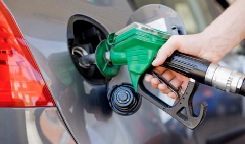 La gasolina, más barata que nunca