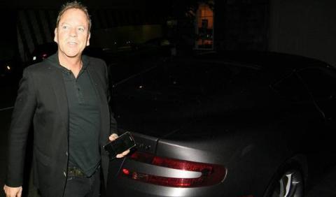 Kiefer Sutherland y su Aston Martin DB9