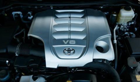 Toyota Land Cruiser V8 en Europa: peligro de extinción