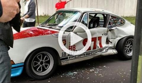 Magnus Walker estrella su 911 clásico durante un reportaje