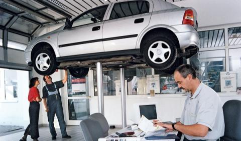 Si no pagas la factura, el taller puede subastar tu coche