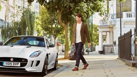 Jaguar y Sweeney presentan su colección de zapatos