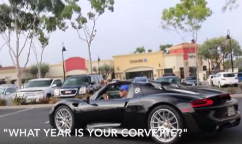 Confunde un Corvette con un Porsche 918 Spyder