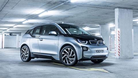 Problemas en el airbag: BMW llama a revisión al i3 y Mini