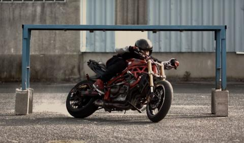 Gymkhana drift en moto a lo Ken Block