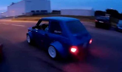 Ojo a lo que pasa si metes un motor Honda dentro de un Fiat