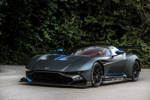 Un Aston Martin Vulcan en el 'Black Friday'