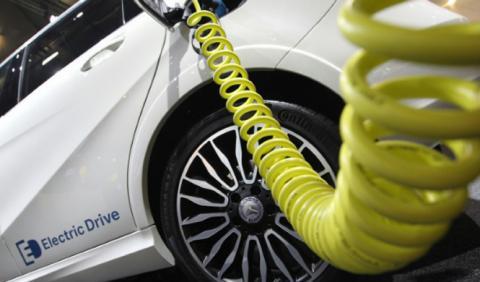 Los alemanes se alían para impulsar el coche eléctrico