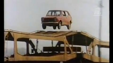 Toma anuncio antiguo cachondo: ¡el Fiat 127 saltarín!