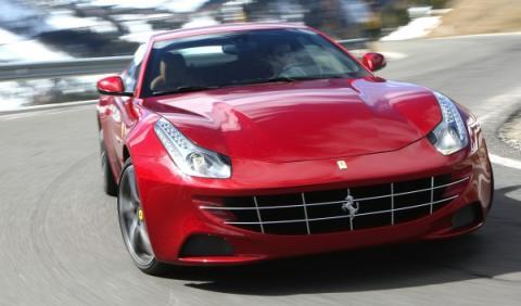 ¡Qué dolor! Un Ferrari FF blanco accidentado en México