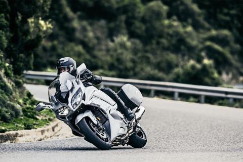 Yamaha FJR 1300 2016: mejoras en motor y equipamiento