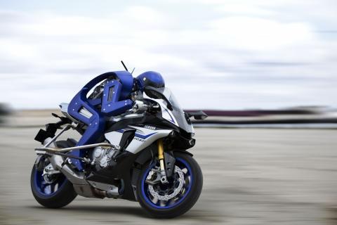 El Motobot de Yamaha terminará batiendo a Valentino Rossi