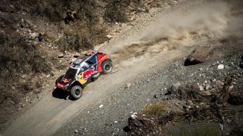 Dakar 2016. Coches, Etapa 8: Sainz, más cerca del liderato