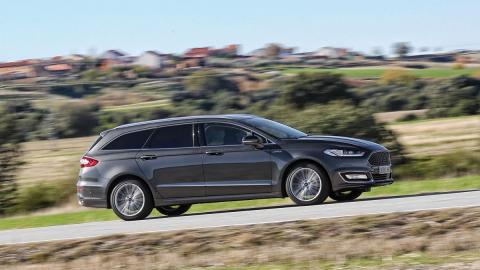 Ford Mondeo SW Vignale lateral