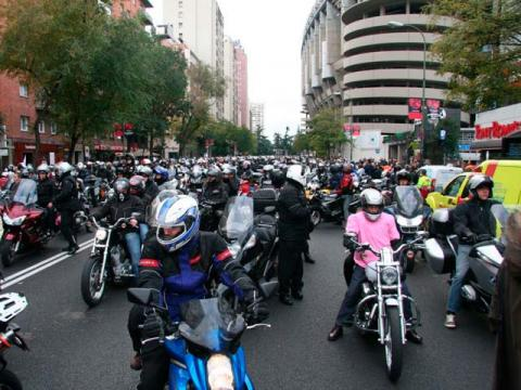 Las motos salvan el protocolo de contaminación en Madrid