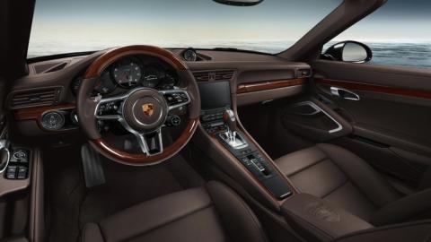 porsche-exclusive-911-carrera-s-madera interior