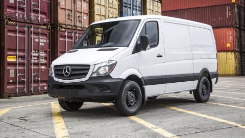 Mercedes-Sprinter-Worker