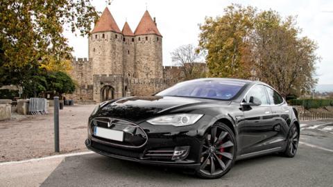 Viajamos con el Tesla por España