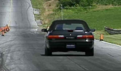 Este Nissan 240SX de 1992 no soporta el paso del tiempo