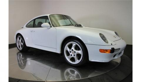 ¡Un 911 CS2 de 1998 con tan solo 4.800 km, a la venta!