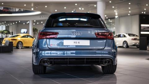 Audi RS6 Performance Polar Blue Metallic trasera