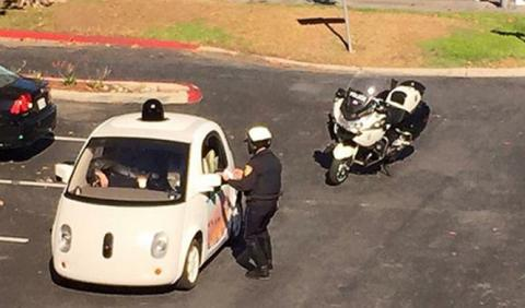 La primera multa del coche autónomo de Google