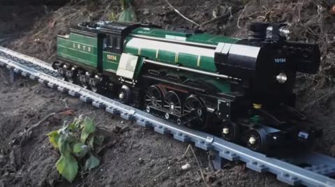 Vídeo: el 'viaje' en tren de Lego grabado con una GoPro
