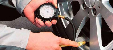 Así influye la presión en el comportamiento del neumático