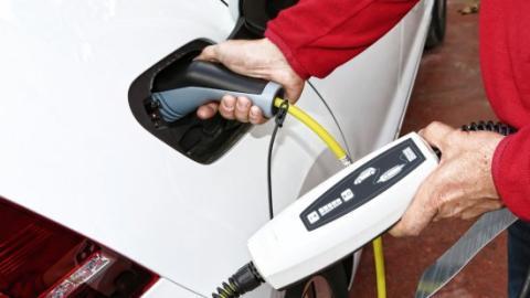 Japón ya tiene más puntos de carga que gasolineras