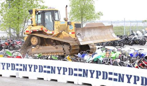 La Policía de Nueva York declara la guerra a motos y quads