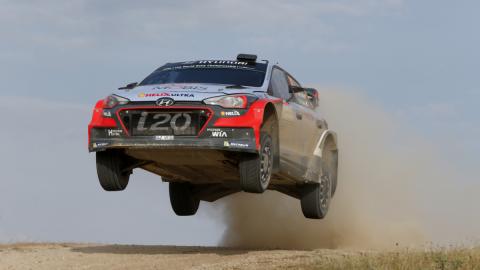 WRC 2016, Cerdeña-Italia: victoria de Neuville y Hyundai