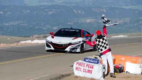 Pikes Peak 2016: la carrera hacia las nubes cumple 100 años