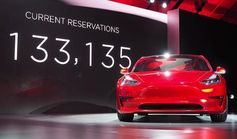 El órdago de Tesla para monopolizar el automóvil eléctrico