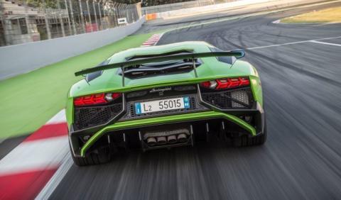 Lamborghini dice 'no' al downsizing