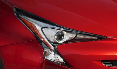 Los coches que mejor (y peor) iluminan