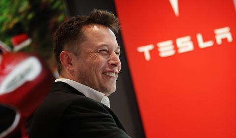 ¿Lanzó Elon Musk el sistema Autopilot demasiado pronto?