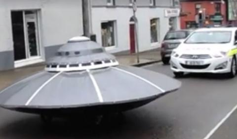 Vídeo: los platillos volantes invaden Irlanda