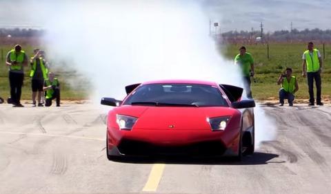 Lamborghini Murciélago contra Ferrari F12berlinetta