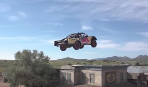 ¡Wow! Aquí tienes el nuevo récord de salto en coche
