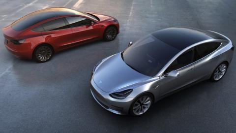 Tesla consigue financiación para el Model 3, ¡300 kilos!