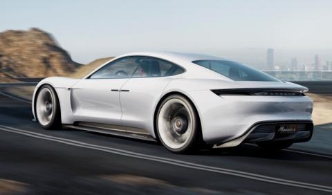 Porsche se plantea un Mission E más pequeño
